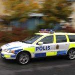 Polis snuvad på sin polisbil…