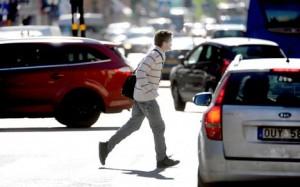 Fotgängare kan få böter för vårdslöshet i trafik